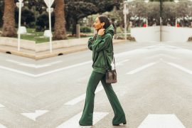 Pop of green / Cannes Streetstyle